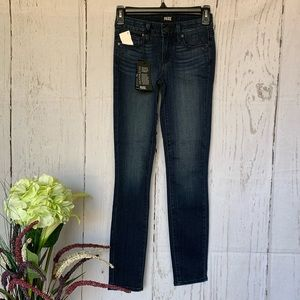 Paige Wilson Verdugo Mid Rise Skinny Ankle Jeans